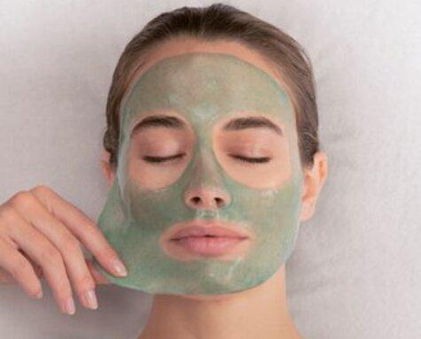 Nieuw in onze salon: de Spiruline Boost gezichtsbehandeling